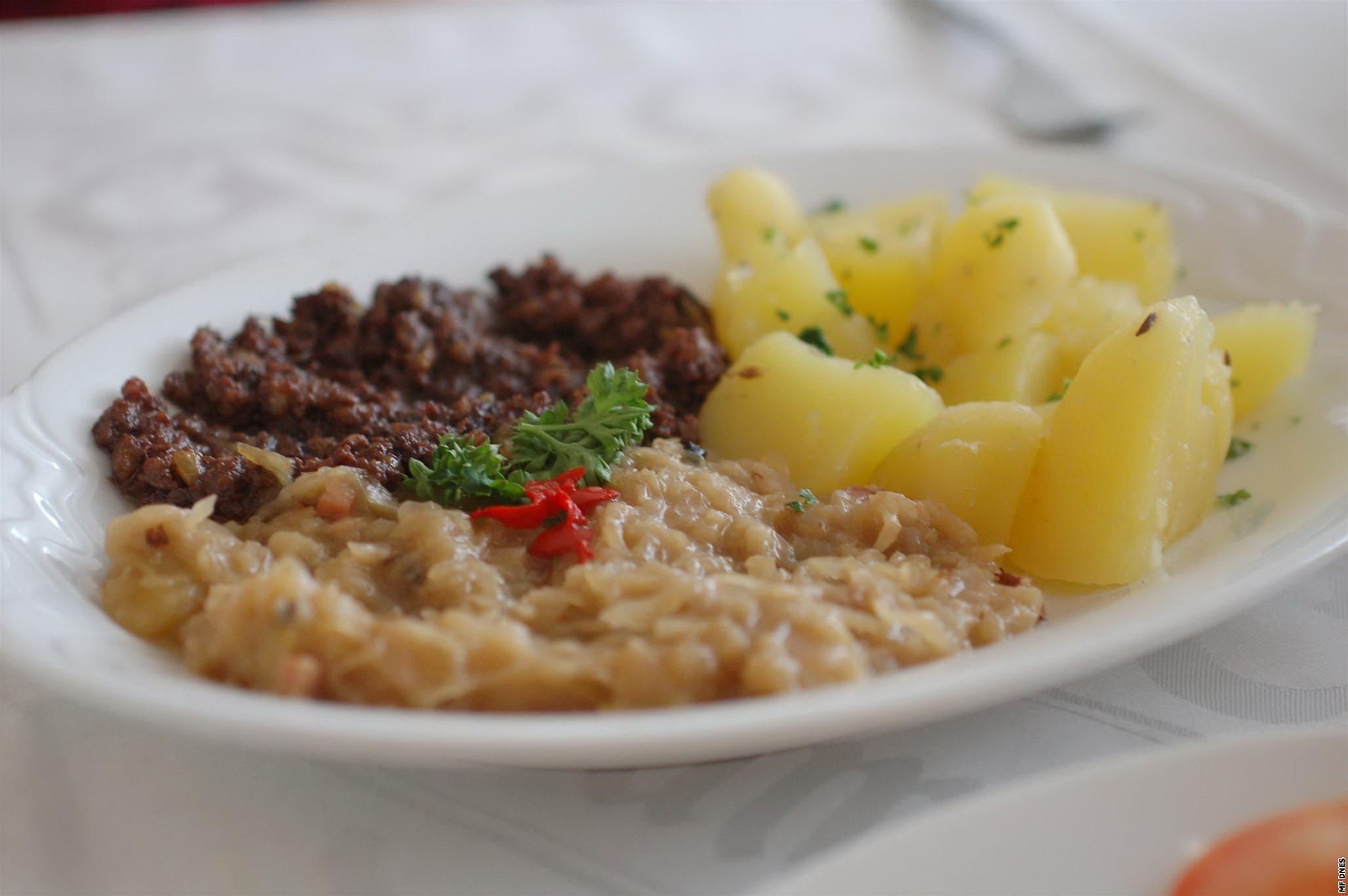 Jitrnicový prejt, zelí, brambor