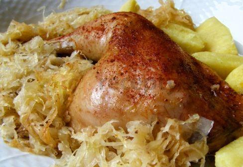 Kuře na zelí, brambor