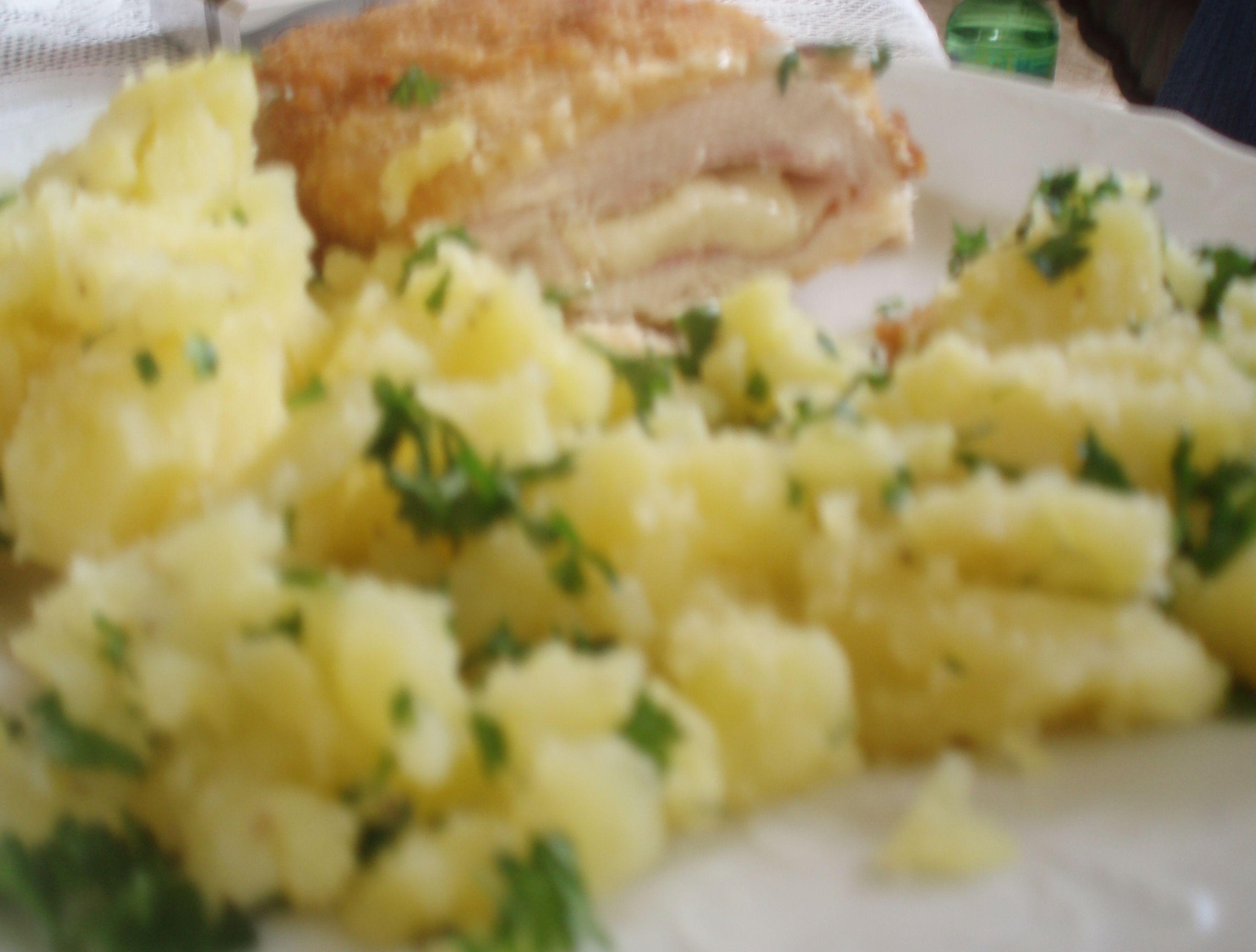 Smažená kuřecí kapsa, šťouchaný brambor